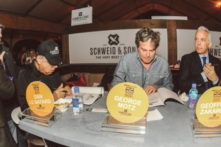 SOBEWFF-Burger-Bash-2015-Schweid-and-Sons-Very-Best-Burger-Judges-1