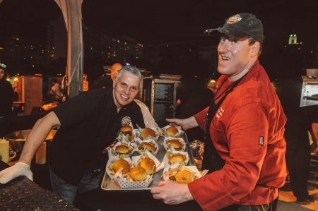 SOBEWFF-Burger-Bash-2015-Schweid-and-Sons-Very-Best-Burger-Judges-111