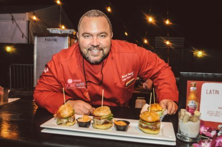 SOBEWFF-Burger-Bash-2015-Schweid-and-Sons-Very-Best-Burger-Judges-139