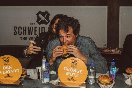 SOBEWFF-Burger-Bash-2015-Schweid-and-Sons-Very-Best-Burger-Judges-39