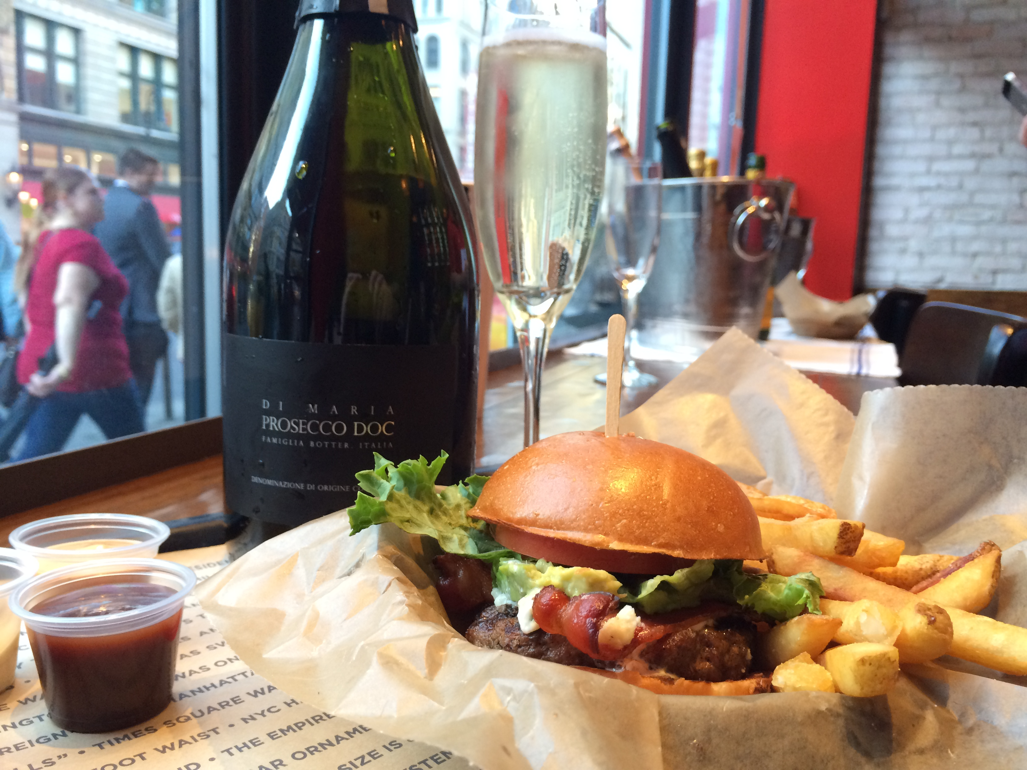 Schweid-and-Sons-Bubbly-NY-Burger-Co-2015-NY-Burger-Week-2413